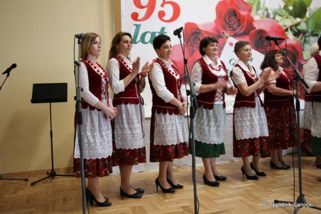 kgw 4 1 630x420 - Strażniczki tradycji - 95 lat Koła Gospodyń Wiejskich w Niebieszczanach