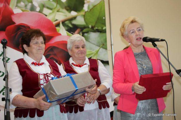 kgw 6 630x420 - Strażniczki tradycji - 95 lat Koła Gospodyń Wiejskich w Niebieszczanach