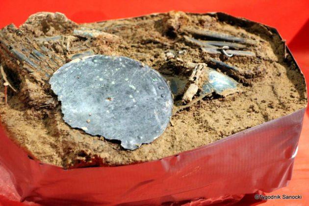 skarb 10 630x420 - Skarb sprzed 3000 lat, znaleziony pod Sanokiem