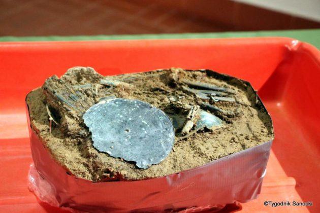 skarb 11 630x420 - Skarb sprzed 3000 lat, znaleziony pod Sanokiem