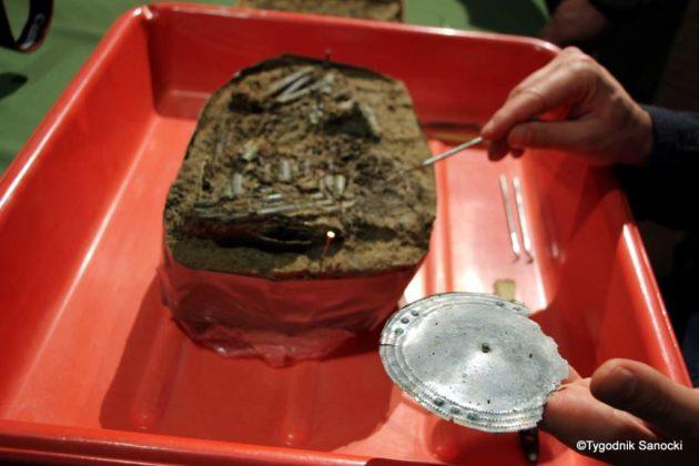 skarb 16 630x420 - Skarb sprzed 3000 lat, znaleziony pod Sanokiem