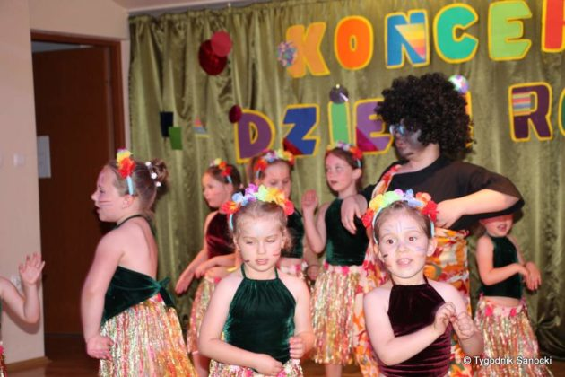 IMG 4994 630x420 - Dzieci rodzicom - wspaniały koncert w Gagatku