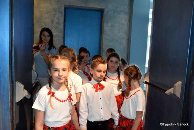IX Przegląd Dziecięcych Zespołów Ludowych Ziemi Sanockiej 13 629x420 - IX Przegląd Dziecięcych Zespołów Ludowych Ziemi Sanockiej