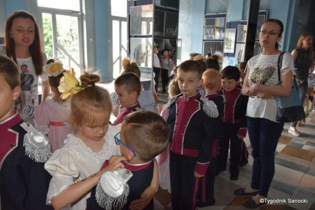IX Przegląd Dziecięcych Zespołów Ludowych Ziemi Sanockiej 48 629x420 - IX Przegląd Dziecięcych Zespołów Ludowych Ziemi Sanockiej