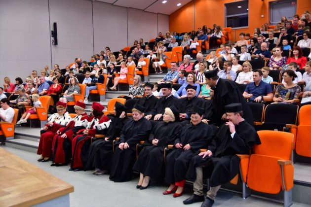 Mali studenci zakończyli rok akademicki 6 630x420 - Mali studenci zakończyli rok akademicki