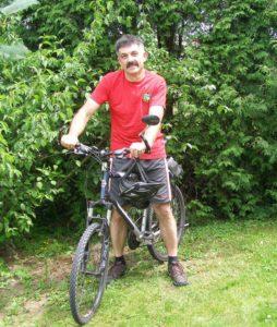 Przewodnik Edward Szychowski 254x300 - Napograniczu kultur Bojków, Dolinian iŁemków - wycieczka rowerowa