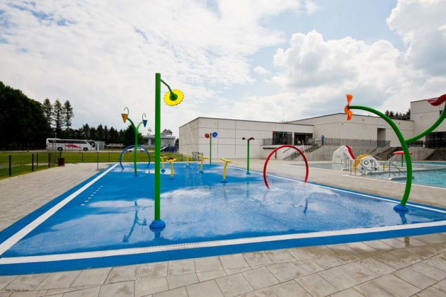basen zewnętrzny Sanok 15 630x420 - Otwarcie basenów zewnętrznych 19 czerwca, zobaczmy jak wyglądają!