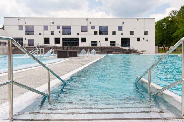 basen zewnętrzny Sanok 17 630x420 - Otwarcie basenów zewnętrznych 19 czerwca, zobaczmy jak wyglądają!