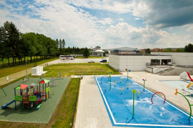 basen zewnętrzny Sanok 33 630x420 - Otwarcie basenów zewnętrznych 19 czerwca, zobaczmy jak wyglądają!