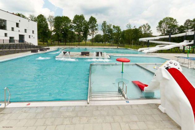 basen zewnętrzny Sanok 39 630x420 - Otwarcie basenów zewnętrznych 19 czerwca, zobaczmy jak wyglądają!