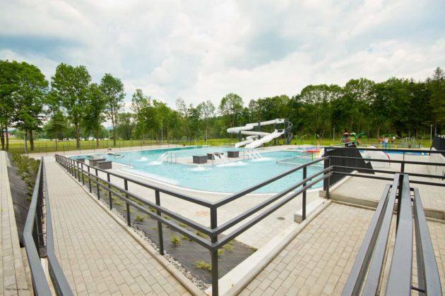 basen zewnętrzny Sanok 40 630x420 - Otwarcie basenów zewnętrznych 19 czerwca, zobaczmy jak wyglądają!