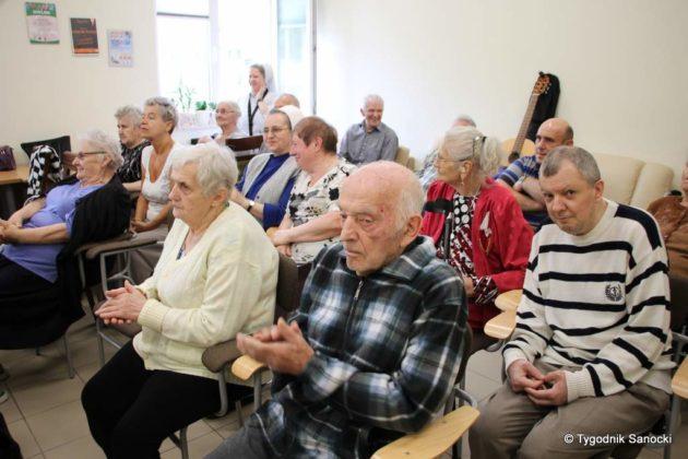 klub seniora w DPS 14 630x420 - Światło seniorów