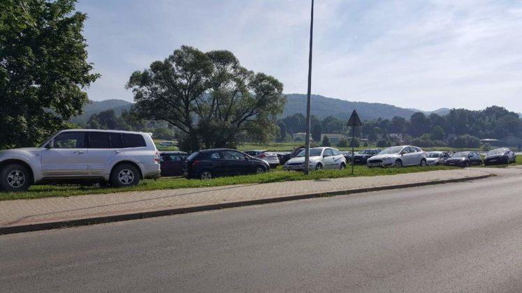 parkowanie nad Sanem 4 747x420 - Interwencja - parkowanie nad Sanem