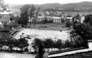 sanocki basen dawniej 300x190 - Otwarcie basenów zewnętrznych