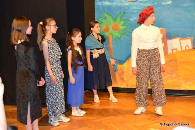 bwa wakacje 11 629x420 - W galerii BWA odbyły się warsztaty teatralno – plastyczne dla dzieci