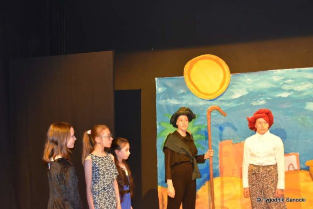 bwa wakacje 14 629x420 - W galerii BWA odbyły się warsztaty teatralno – plastyczne dla dzieci