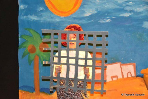 bwa wakacje 18 629x420 - W galerii BWA odbyły się warsztaty teatralno – plastyczne dla dzieci