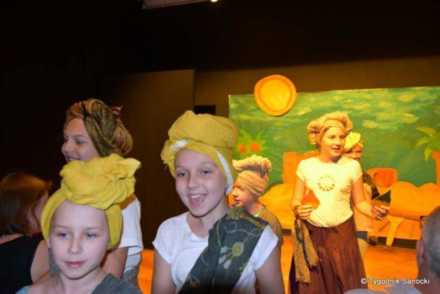 bwa wakacje 2 629x420 - W galerii BWA odbyły się warsztaty teatralno – plastyczne dla dzieci