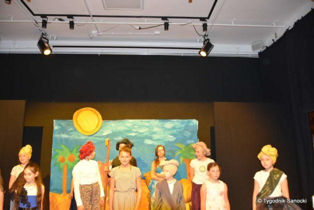 bwa wakacje 20 629x420 - W galerii BWA odbyły się warsztaty teatralno – plastyczne dla dzieci