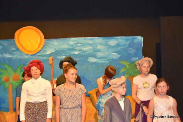 bwa wakacje 21 629x420 - W galerii BWA odbyły się warsztaty teatralno – plastyczne dla dzieci