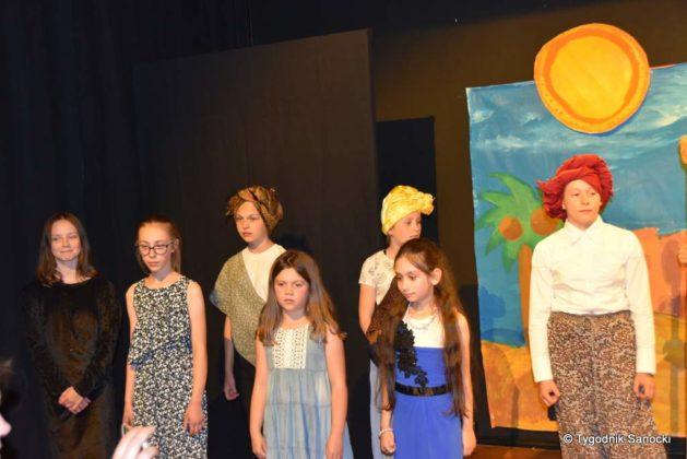 bwa wakacje 22 629x420 - W galerii BWA odbyły się warsztaty teatralno – plastyczne dla dzieci