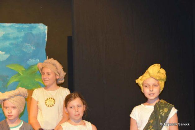 bwa wakacje 23 629x420 - W galerii BWA odbyły się warsztaty teatralno – plastyczne dla dzieci