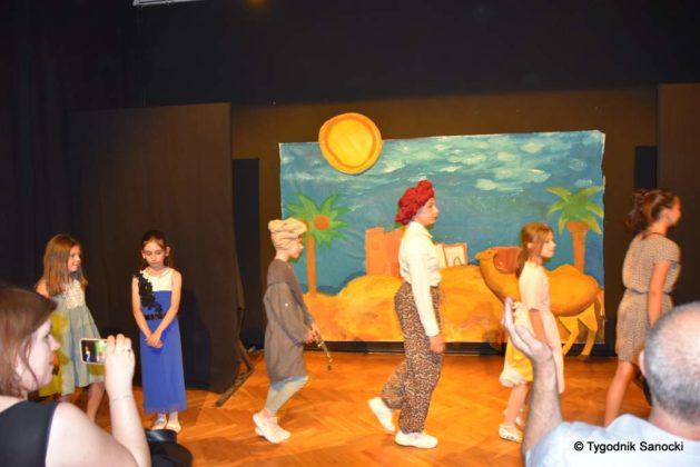 bwa wakacje 27 629x420 - W galerii BWA odbyły się warsztaty teatralno – plastyczne dla dzieci