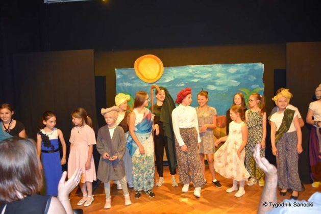 bwa wakacje 29 629x420 - W galerii BWA odbyły się warsztaty teatralno – plastyczne dla dzieci