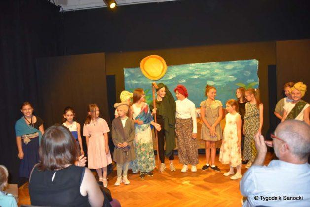 bwa wakacje 30 629x420 - W galerii BWA odbyły się warsztaty teatralno – plastyczne dla dzieci
