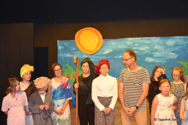 bwa wakacje 31 629x420 - W galerii BWA odbyły się warsztaty teatralno – plastyczne dla dzieci
