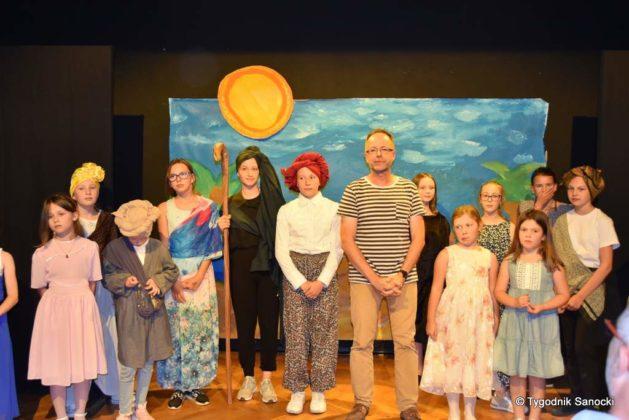 bwa wakacje 32 629x420 - W galerii BWA odbyły się warsztaty teatralno – plastyczne dla dzieci