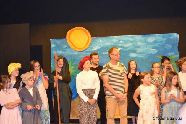 bwa wakacje 33 629x420 - W galerii BWA odbyły się warsztaty teatralno – plastyczne dla dzieci