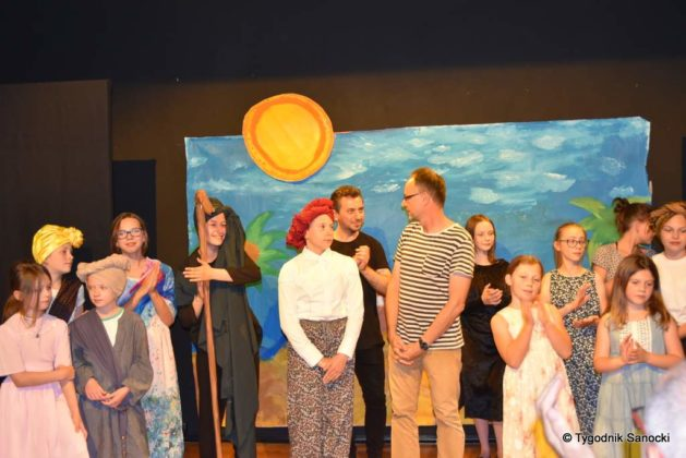 bwa wakacje 34 629x420 - W galerii BWA odbyły się warsztaty teatralno – plastyczne dla dzieci