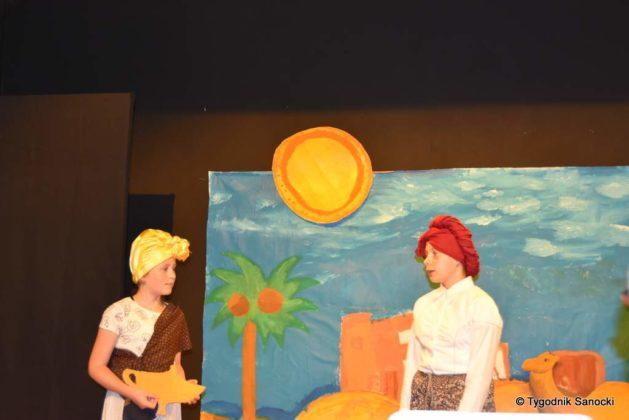bwa wakacje 4 629x420 - W galerii BWA odbyły się warsztaty teatralno – plastyczne dla dzieci