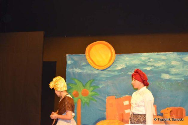 bwa wakacje 5 629x420 - W galerii BWA odbyły się warsztaty teatralno – plastyczne dla dzieci