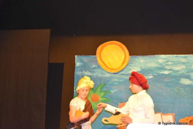 bwa wakacje 6 629x420 - W galerii BWA odbyły się warsztaty teatralno – plastyczne dla dzieci