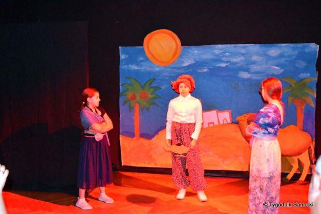 bwa wakacje 7 629x420 - W galerii BWA odbyły się warsztaty teatralno – plastyczne dla dzieci