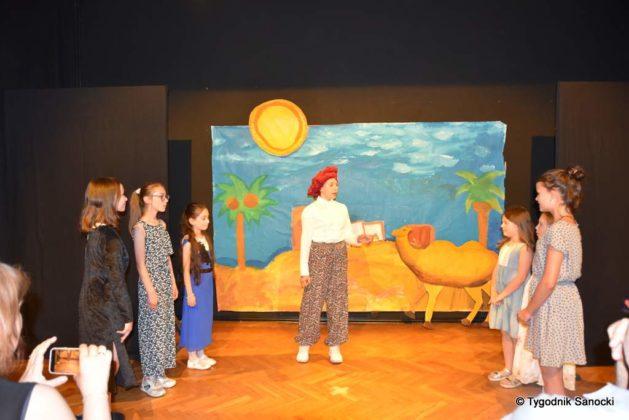 bwa wakacje 8 629x420 - W galerii BWA odbyły się warsztaty teatralno – plastyczne dla dzieci