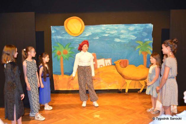 bwa wakacje 9 629x420 - W galerii BWA odbyły się warsztaty teatralno – plastyczne dla dzieci