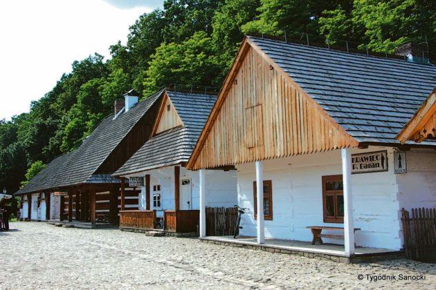 skansen 630x420 - Muzeum Budownictwa Ludowego Ambasadorem Wschodu i z Certyfikatem Polskiej Organizacji Turystycznej