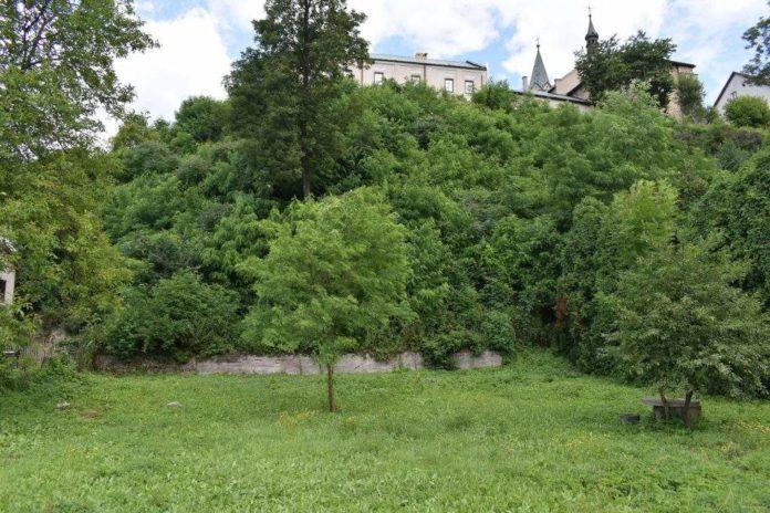 Prace nad zabezpieczeniem osuwiska konieczna wycinka drzew