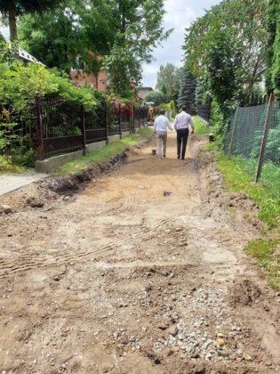 wizja w terenie Sanok 3 315x420 - Miasto remontuje drogi
