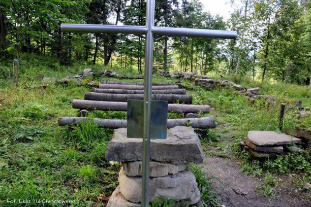 Opuszczone wsie w Bieszczadach 6 632x420 - Opuszczone wsie w Bieszczadach
