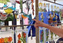Trwa Jarmark Ikon. Na sanockim Rynku kolorowo i radośnie