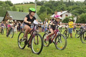 maraton rowerowy 7 300x200 - Święto cyklistów w Komańczy