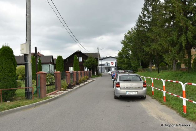 D-40. Parkowanie pod Przychodnią Zdrowia przy ul. Lipińskiego