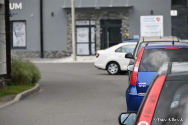parking lipiśkiego 3 629x420 - D-40. Parkowanie pod Przychodnią Zdrowia przy ul. Lipińskiego