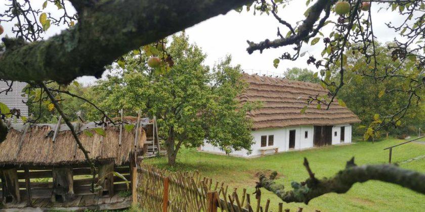 skansen 840x420 - Muzeum Budownictwa Ludowego Ambasadorem Wschodu i z Certyfikatem Polskiej Organizacji Turystycznej