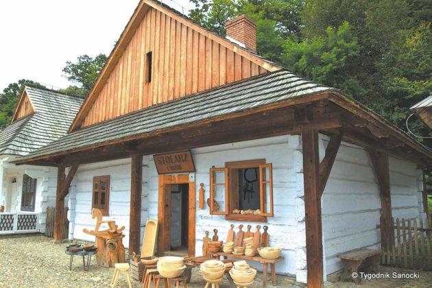 tajemnice drewna 630x420 - Muzeum Budownictwa Ludowego Ambasadorem Wschodu i z Certyfikatem Polskiej Organizacji Turystycznej