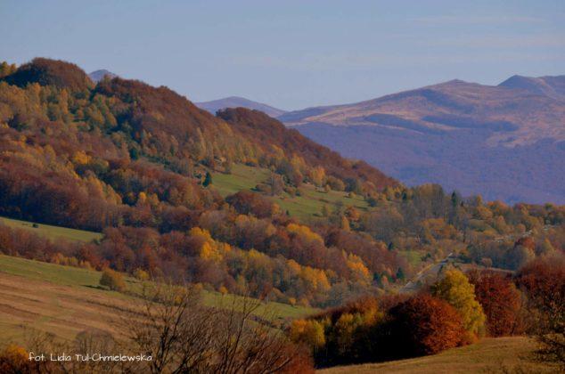 W oddali Tarnica 634x420 - Jesień w Bieszczadach - fotogaleria